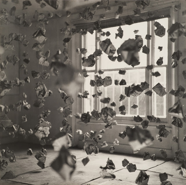 John Hilliard, 765 Paper Balls, 1969, 122 x 122 cm, black and white photograph mounted on hardboard. Copyright, the Artist, courtesy Richard Saltoun Gallery.