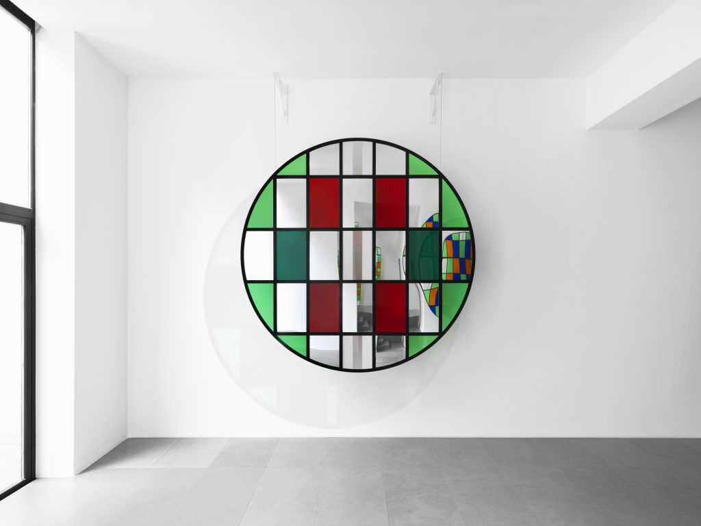 "Daniel Buren Photo souvenir: TONDO N°XH 3, 2016 steel, transparent plexiglass, mirror, colored plexiglass, 215 x 215 x 3 cm. Situated work in ""Daniel Buren. Travaux inédits, 2016"", Xavier Hufkens Gallery, Brussels, Belgium. Photo credit: Allard Bovenberg, Amsterdam Courtesy: the Artist and Xavier Hufkens, Brussels."