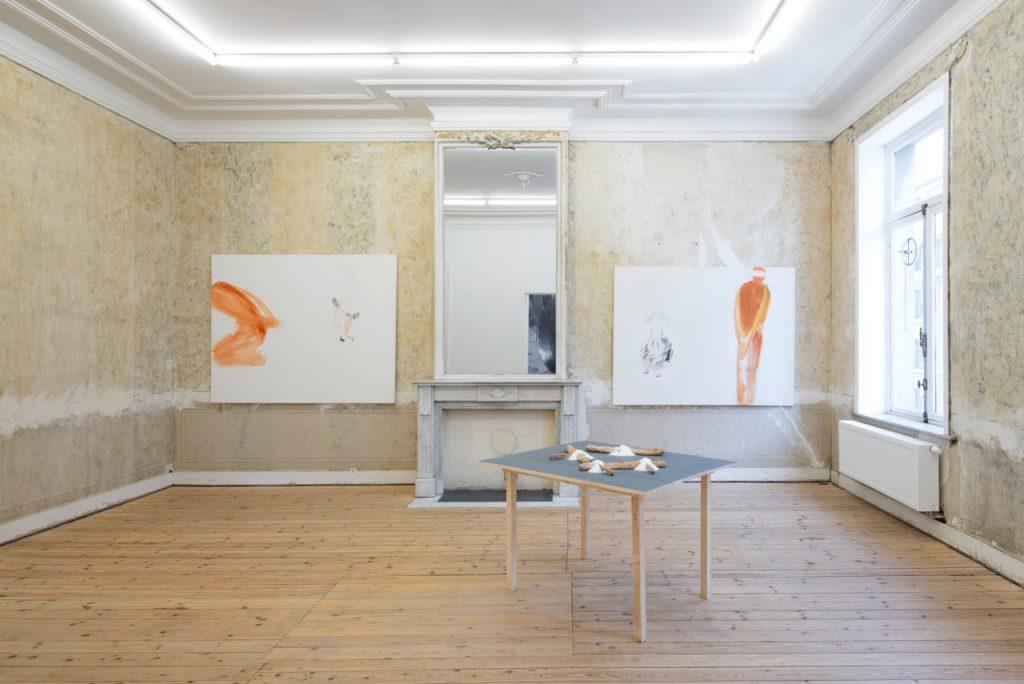 'Dans un monde Magnifique et Furieux', exhibition view. Courtesy of Dvir Gallery.