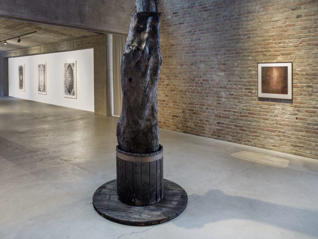 Kris Martin, Installation view, König Gallery. All images courtesy of the artist and KÖNIG GALERIE Photographer: Roman März