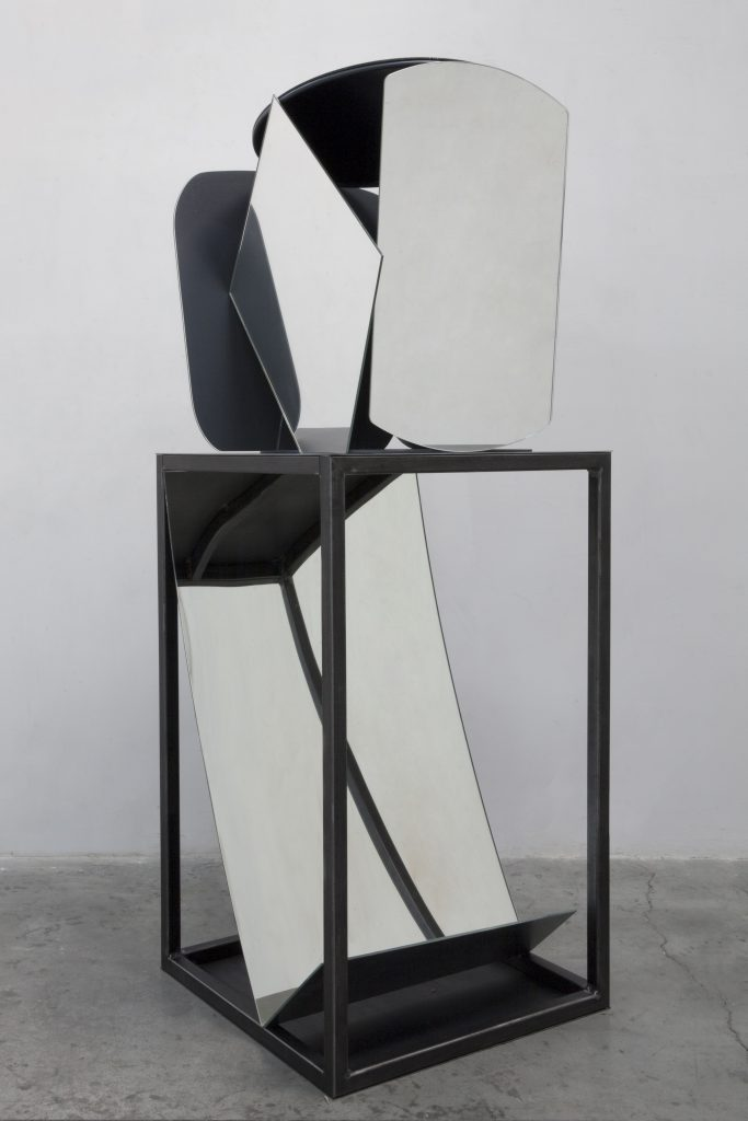 LIU WEI Untitled, 2015 mirror and metal 66.93 x 23.62 x 23.62 inches 170 x 60 x 60 cm Courtesy the artist and Lehmann Maupin, New York and Hong Kong.