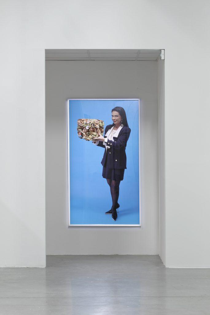 View of Mika Rottenberg's exhibition, Palais de Tokyo (23.06 – 11.09.2016). Photo: Aurélien Mole.