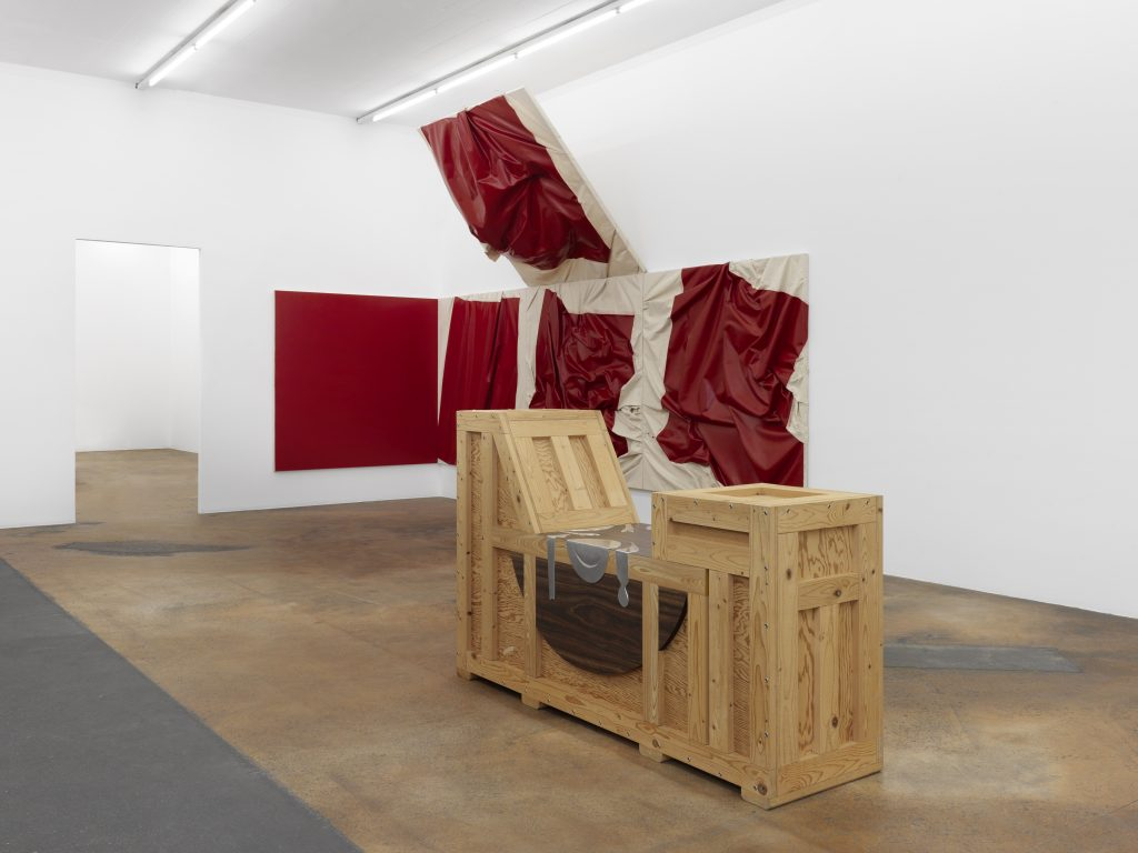 At the forefront: Richard Artschwager, Table Prepared in the Presence of Enemies II, 1992, Syz collection, Switzerland; in the foreground: Steven Parrino, Hell's Gate Shifter, 1997, MAMCO collection. Photo: Annik Wetter – MAMCO, Geneva.
