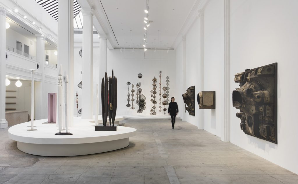 Installation view, 'Revolution in the Making: Abstract Sculpture by Women, 1947 – 2016', Hauser Wirth & Schimmel, 2016 Louise Bourgeois: Art © The Easton Foundation/Licensed by VAGA, New York, NY Courtesy the artists and Hauser & Wirth Photo: Brian Forrest