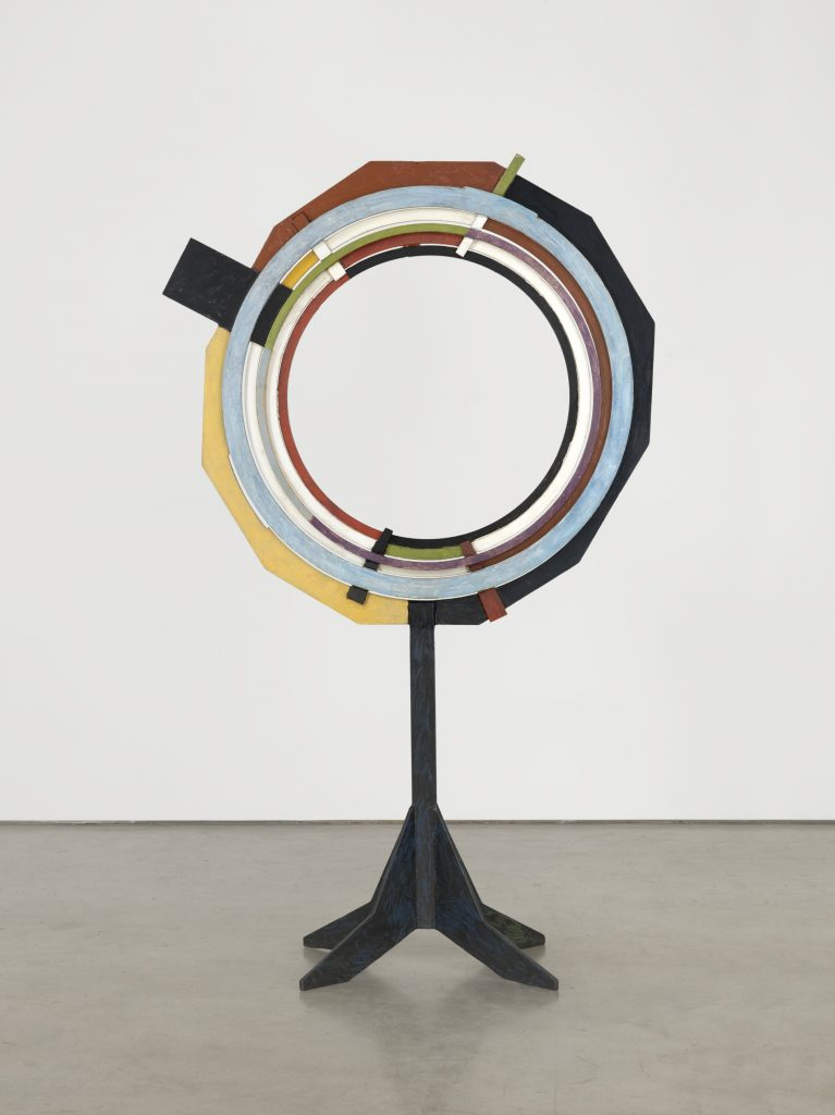 David Smith Circles Intercepted 1961 Steel, painted 227.3 x 142.2 x 50.8 cm / 89 1/2 x 56 x 20 in Photo: Genevieve Hanson. © The Estate of David Smith Courtesy the Estate and Hauser & Wirth