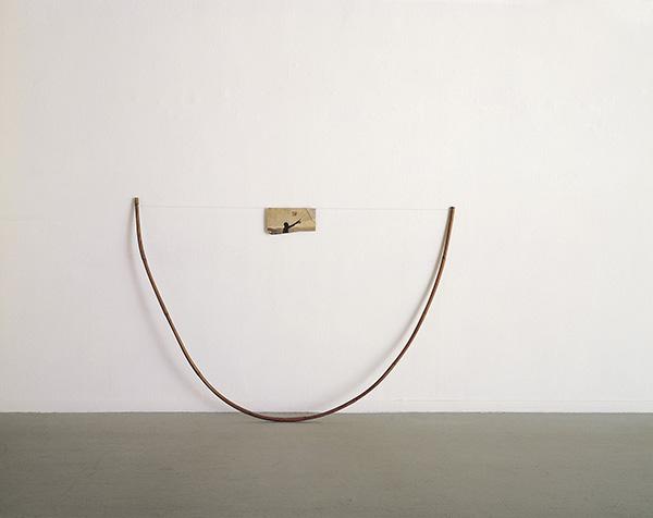 Yudith Levin, Fisherman, 1976, Bamboo, fishing line, newspaper, 116x162x12 cm, Unique. Courtesy of Dvir Gallery.