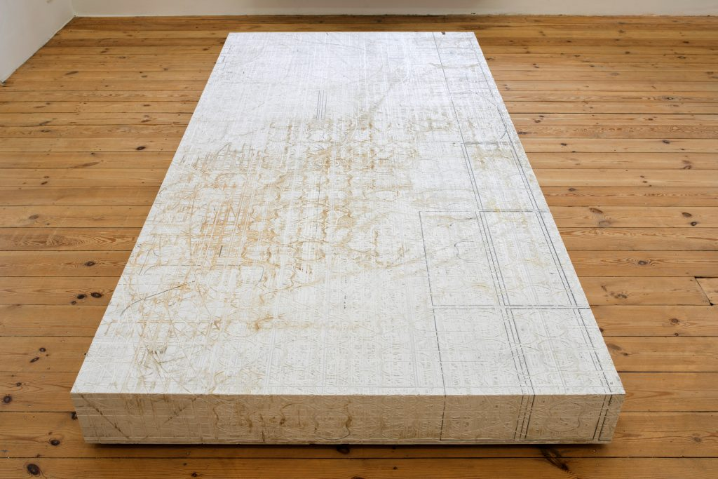 AAASSEMBLAGE (POSTAMENT 2), 2016, forex board, 220x110x15cm, unique. Courtesy of Dvir Gallery.