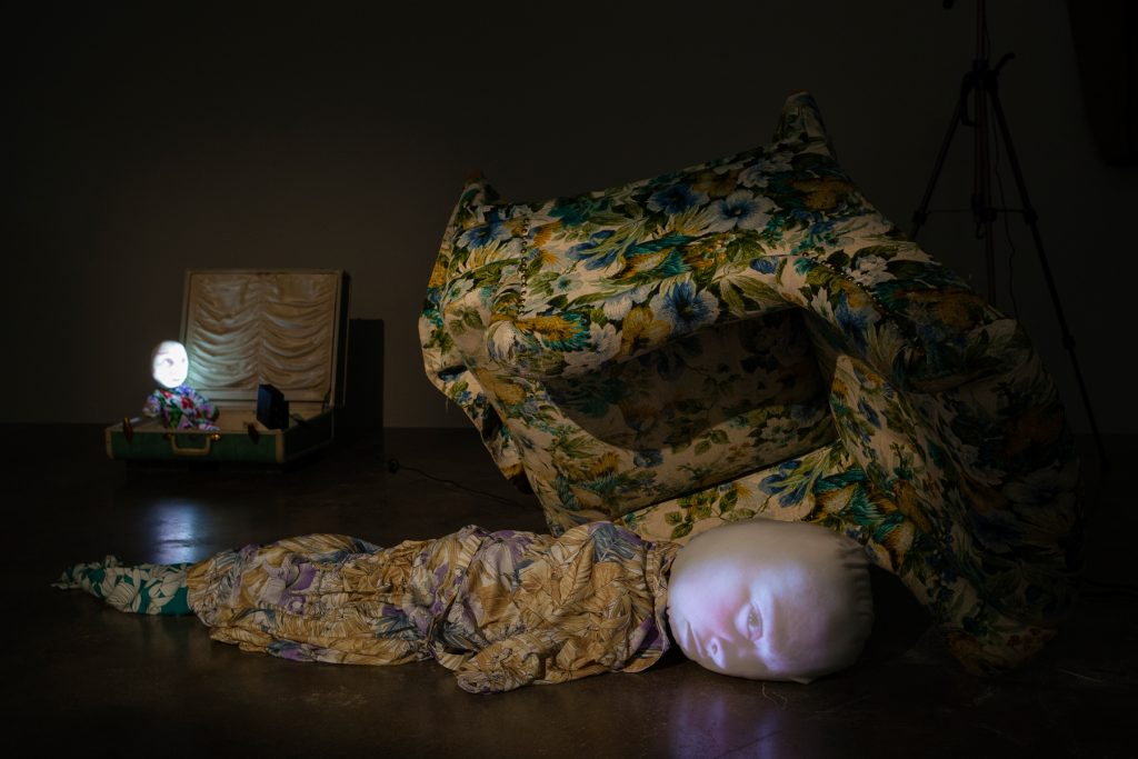 "Tony Oursler, installation view ""M*r>0r"". Photo: Christian Saltas."