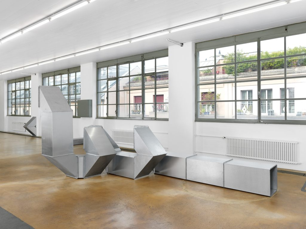 Charlotte Posenenske, view of Vierkantrohre Serie DW, 1967- 2016, courtesy: The Estate of Charlotte Posenenske, Frankfurt am Main and Mehdi Chouakri, Berlin. Photo: Annik Wetter — MAMCO, Geneva