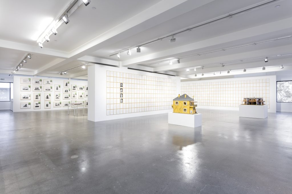 Installation view, Hanne Darboven, Sprüth Magers, Los Angeles, September 9 - October 29, 2016 © Hanne Darboven Foundation, Hamburg / ARS, New York 2016 Courtesy Sprüth Magers Photo: Joshua White, 2016