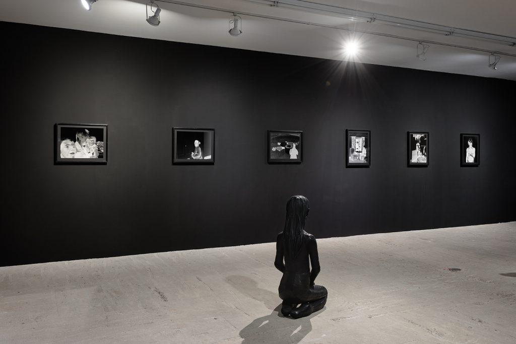 Aneta Grzeszykowska 'NO/BODY' Installation view, courtesy Lyles & King.