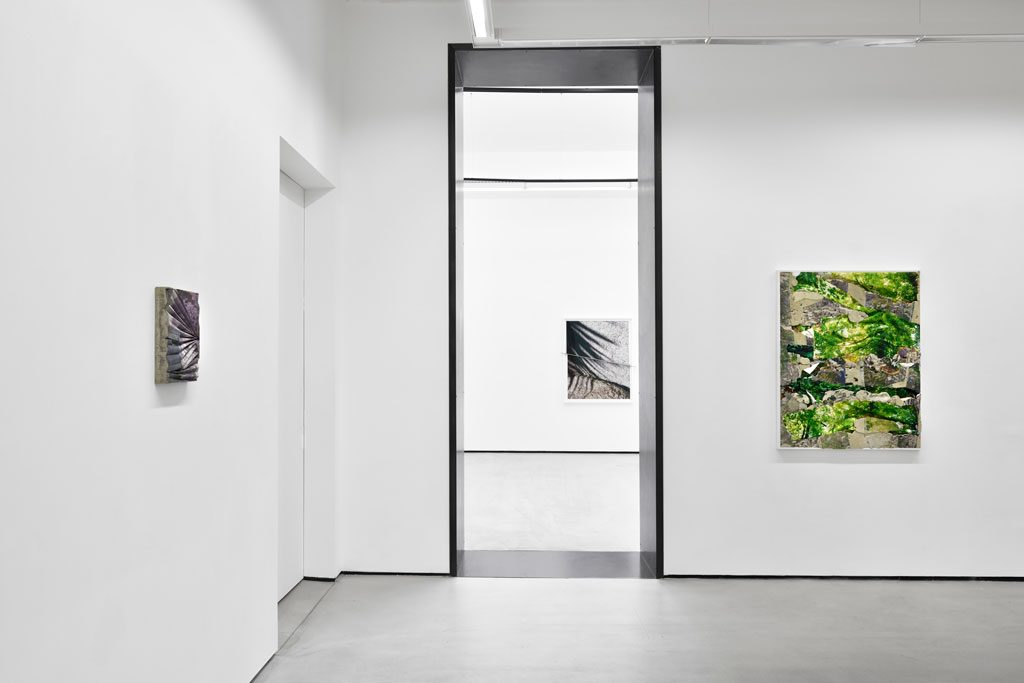 "Letha Wilson, ""Surface Moves"" exhibition views. Courtesy the artist and Galerie Christophe Gaillard, photos : Rebecca Fanuele."