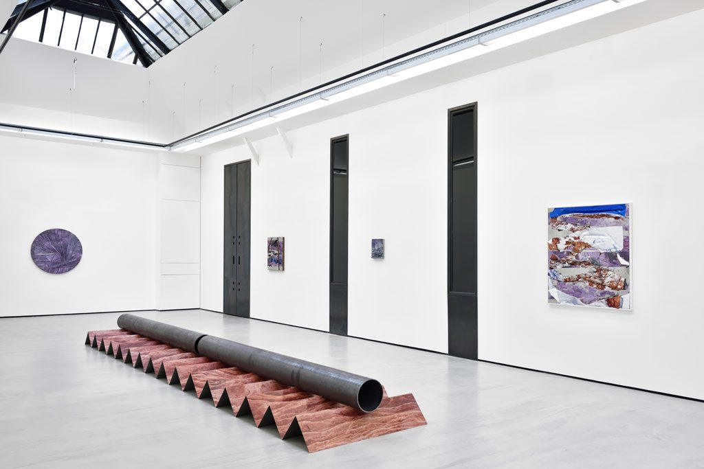 """Letha Wilson, """"Surface Moves"""" exhibition views. Courtesy the artist and Galerie Christophe Gaillard, photos : Rebecca Fanuele."""