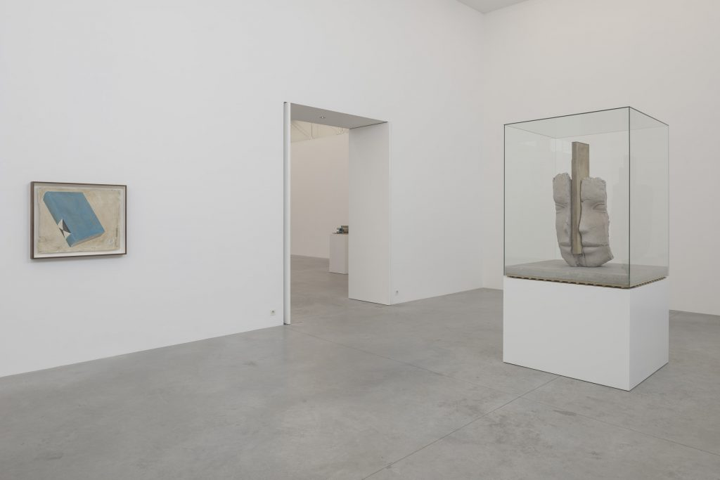Mark Manders, installation view. Courtesy the artist and Zeno X Gallery. Photo: Peter Cox