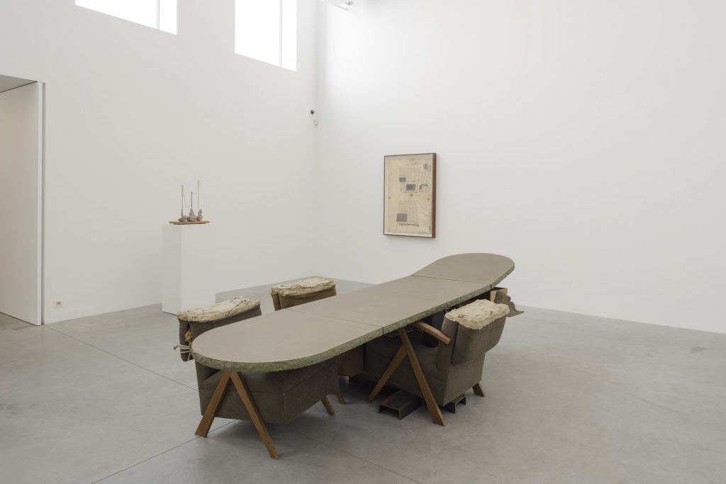 Mark Manders, installation view. Courtesy the artist and Zeno X Gallery. Photo: Peter Cox.