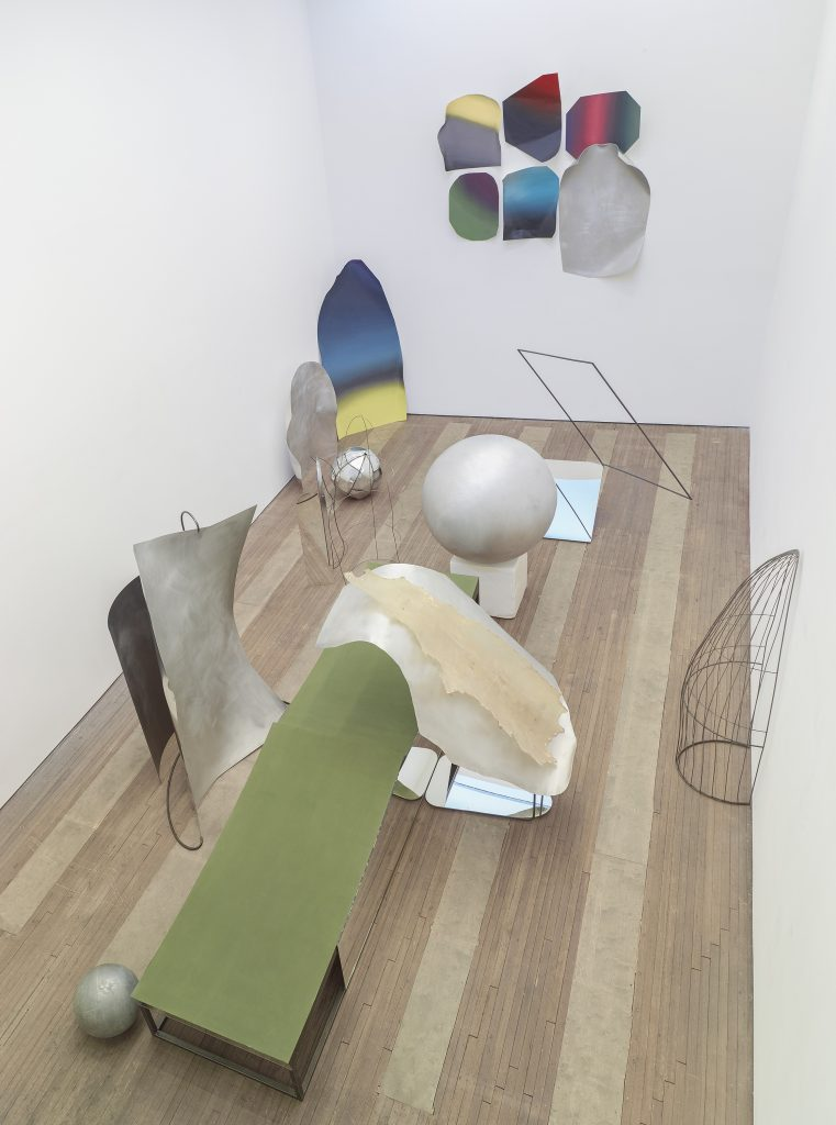 Liu Wei Installation view, Lehmann Maupin, 201 Chrystie Street, New York November 8 - December 22, 2016 Courtesy the artist and Lehmann Maupin, New York and Hong Kong Photo: Max Yawney.