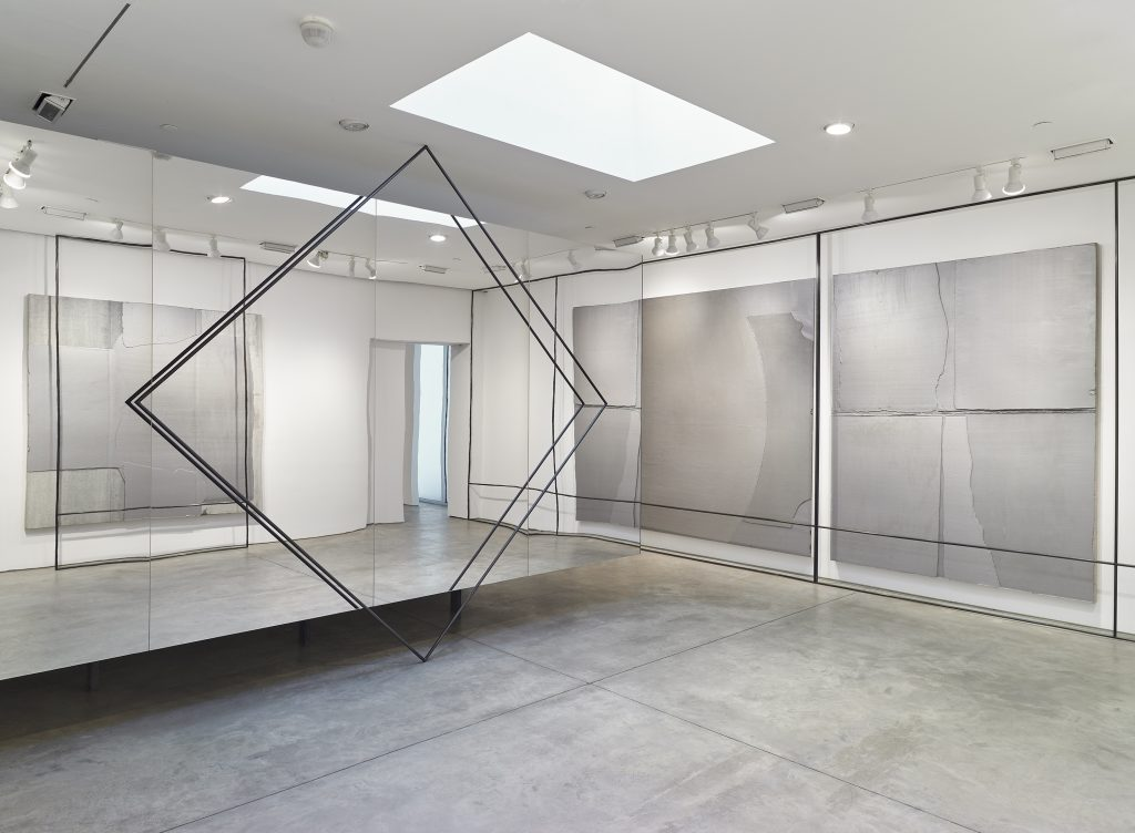 Liu Wei Installation view, Lehmann Maupin, 536 22nd Street, New York November 2 - December 17, 2016 Courtesy the artist and Lehmann Maupin, New York and Hong Kong Photo: Max Yawney.