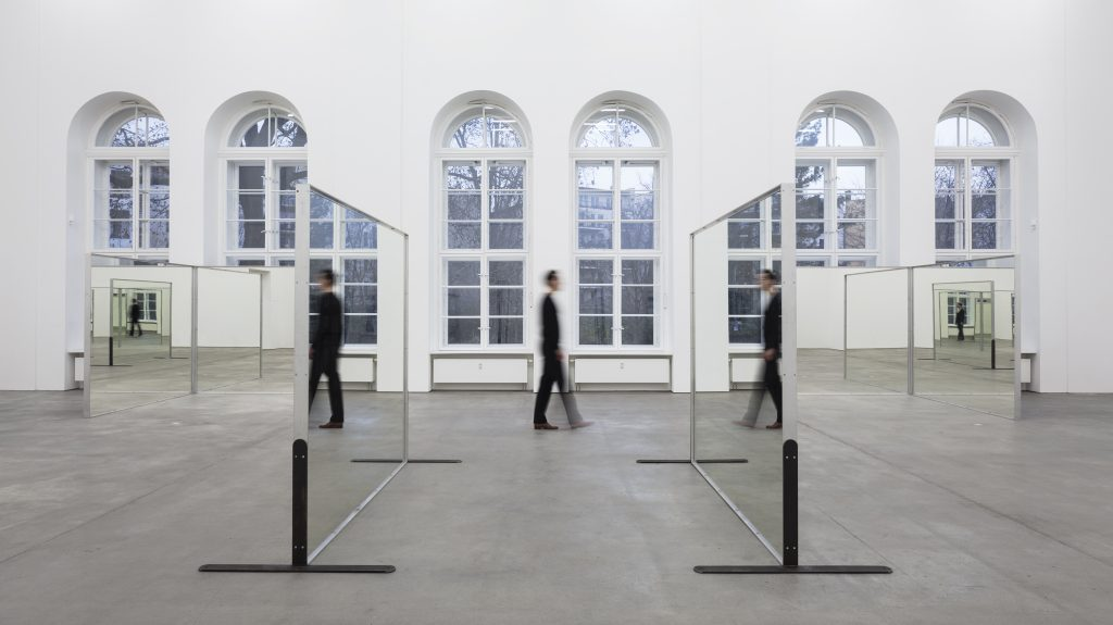 Robert Morris, Untitled (Williams Mirrors), 1976-77 12 mirrors, 231,4 x 244 cm (each), 91 x 96 inches (each) Installation view, Robert Morris, 'REFRACTIONS'. Sprüth Magers, Berlin, November 22 - Januar 14, 2017. © Robert Morris / VG-Bildkunst, Bonn 2016. Courtesy Sprüth Magers