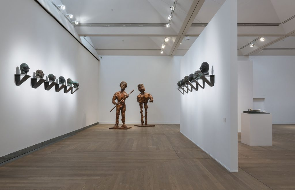 Thomas Schütte, Installationsvy Thomas Schütte: United Enemies på Moderna Museet Stockholm 2016-2017, 2016 Photo: Åsa Lundén/Moderna Museet © Thomas Schütte Bildupphovsrätt 2016